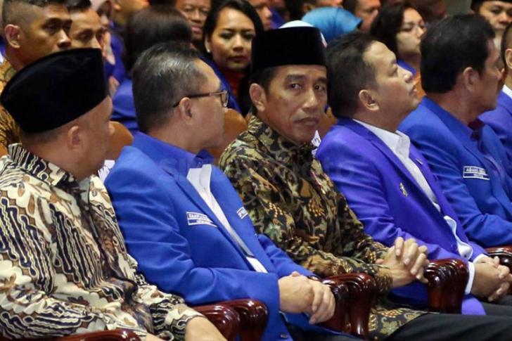 Jokowi Curhat, Kasus Ahok kok Digeser Pada Dirinya?